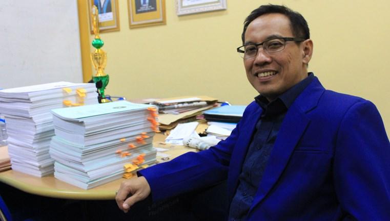 Prof Nursalam Hons